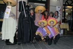 Foto di gruppo con le maschere